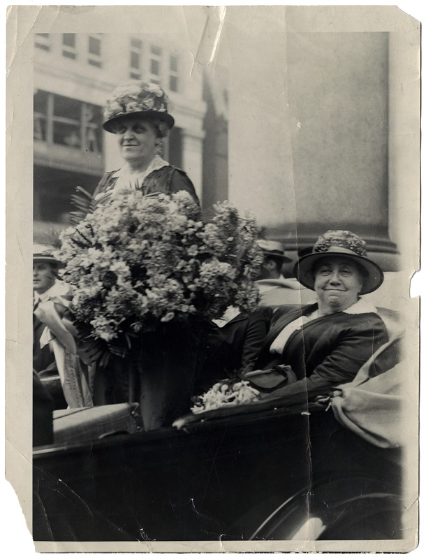 Harriet Taylor Upton (right) and Carrie Chapman Catt (left)
